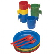 3 years & up. Each colorful, flexible, dishwasher-safe place setting consists of knife, fork, spoon, plate, and mug. 20 pieces.