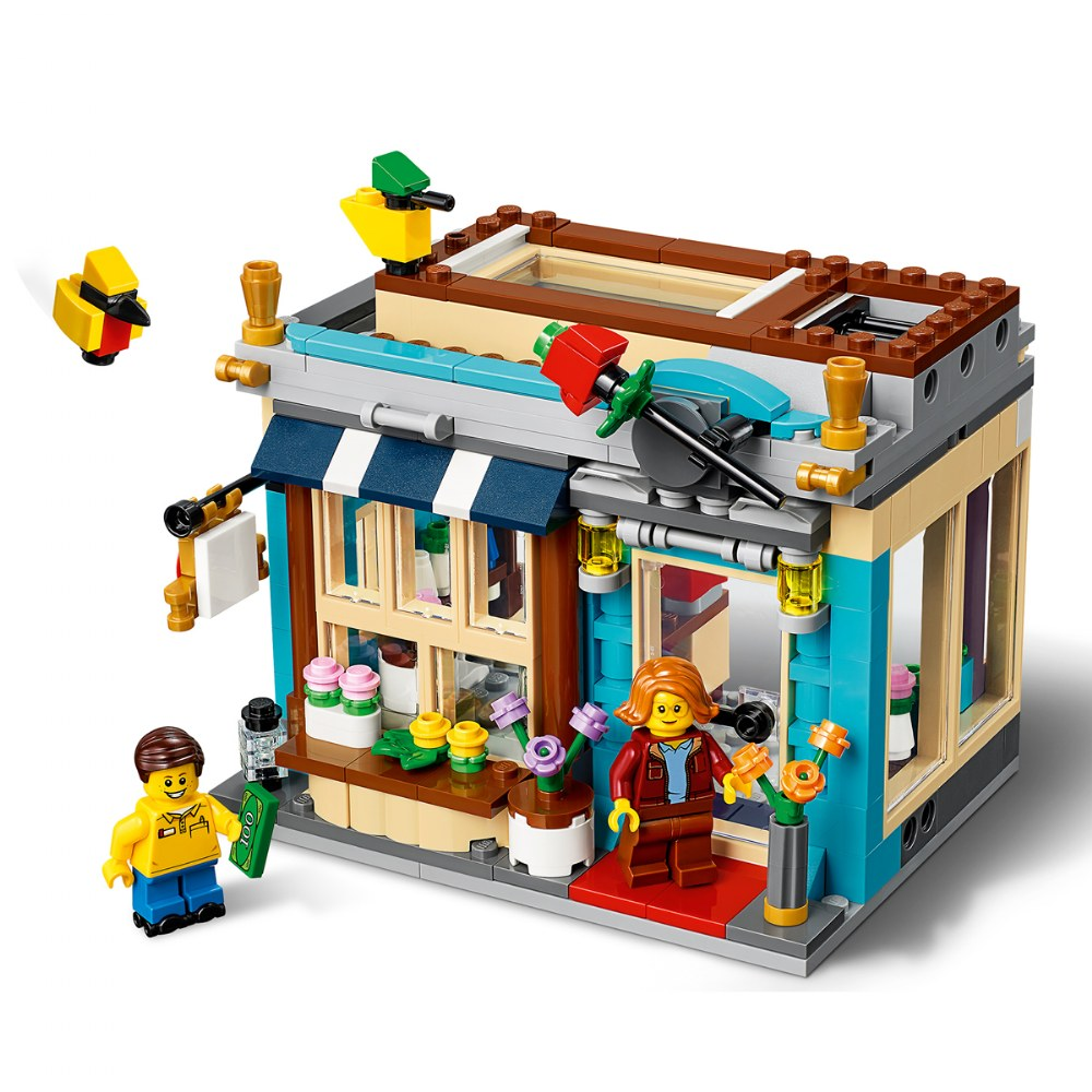 Alternate Image #3 of LEGO® Creator Townhouse Toy Store - 31105