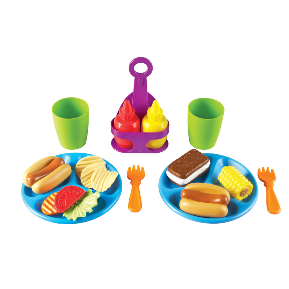 New Sprouts® Pretend Play Hamburger and Hotdog Cookout!