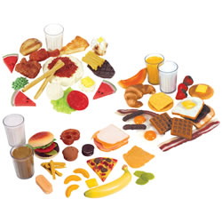 3 years & up. Practice creating nutritious meals. Children can serve their friends breakfast, lunch and dinner. Set includes a realistic looking selection. Serve eggs, pancakes, fried chicken, fruits, sandwiches and more! Big 78 piece set.