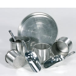 3 years & up. Rust-proof aluminum set includes nine inch pan sifter, four nesting cans with two perforated bottoms and three scoops. The scoops have 3 inch handles and extra wide scoops.