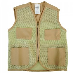 3 -5 years. This multifunctional vest can be used as children pretend to camp, fish, dig for artifacts, and more.