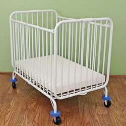 Deluxe Folding Compact Crib