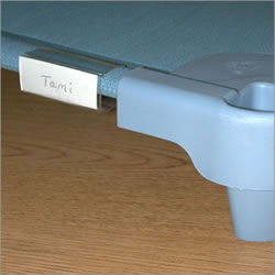 Easily identify children's cots by sliding their printed name into these transparent clips. Fits all Angeles® cots. Set of 5.