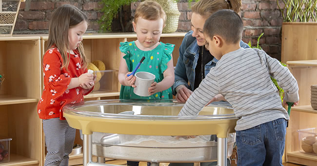 Tips for Cleaning Your Sand and Water Table