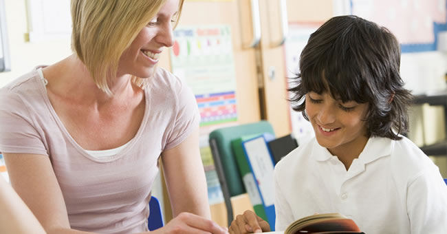 Reaching Struggling Readers in Elementary Classrooms